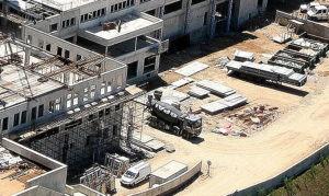 Réalisation BPAI partenaire Lafarge chantier béton hôpital Ajaccio Corse Zoom camion