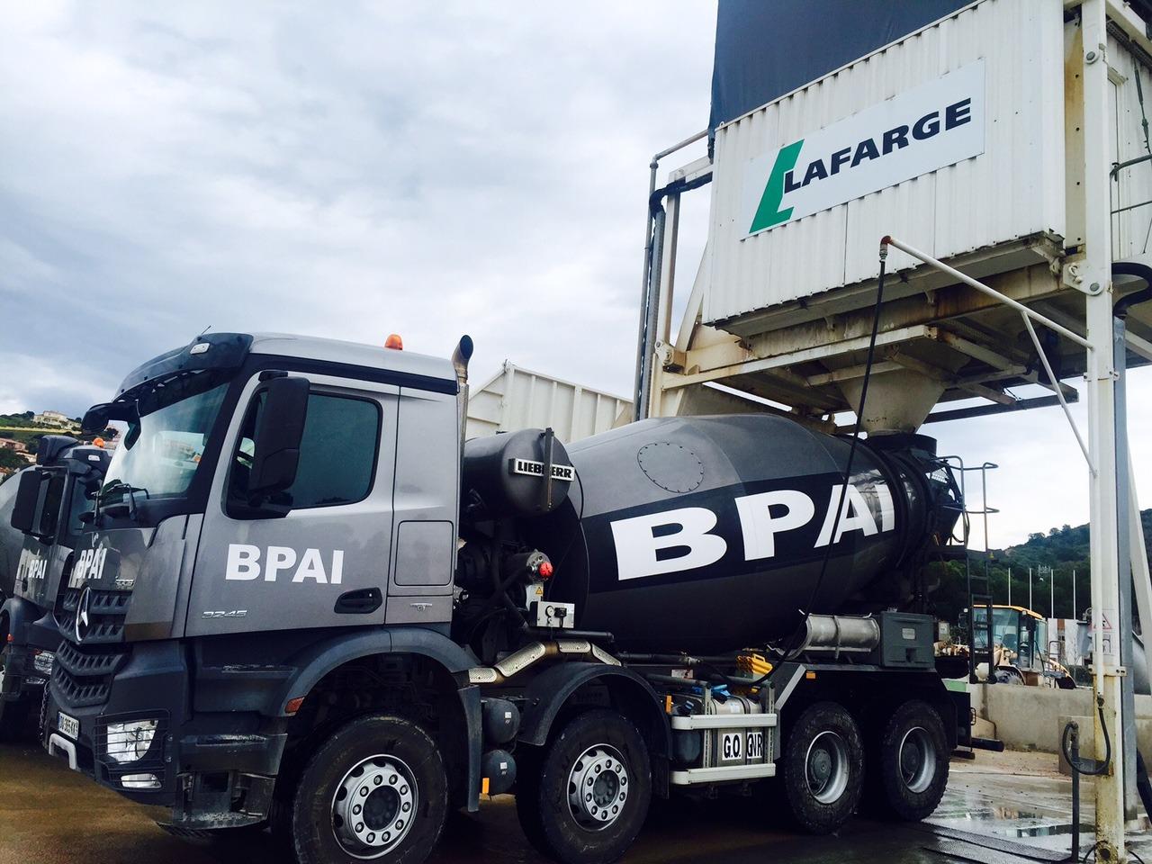 centrale à béton camion toupie camion malaxeur ou bétonnière BPAI partenaire Lafarge spécialiste du béton prêt à l'emploi, pour professionnels et particuliers projets de constructions, d'aménagements et de rénovations habitat.