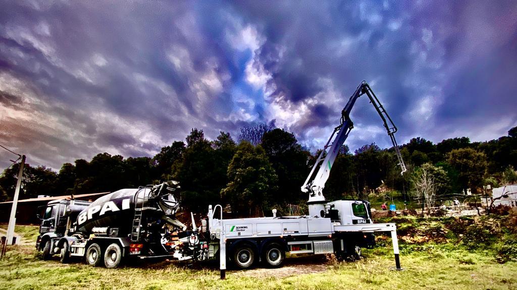 BPAI béton Ajaccio livraison camion toupie et pompe