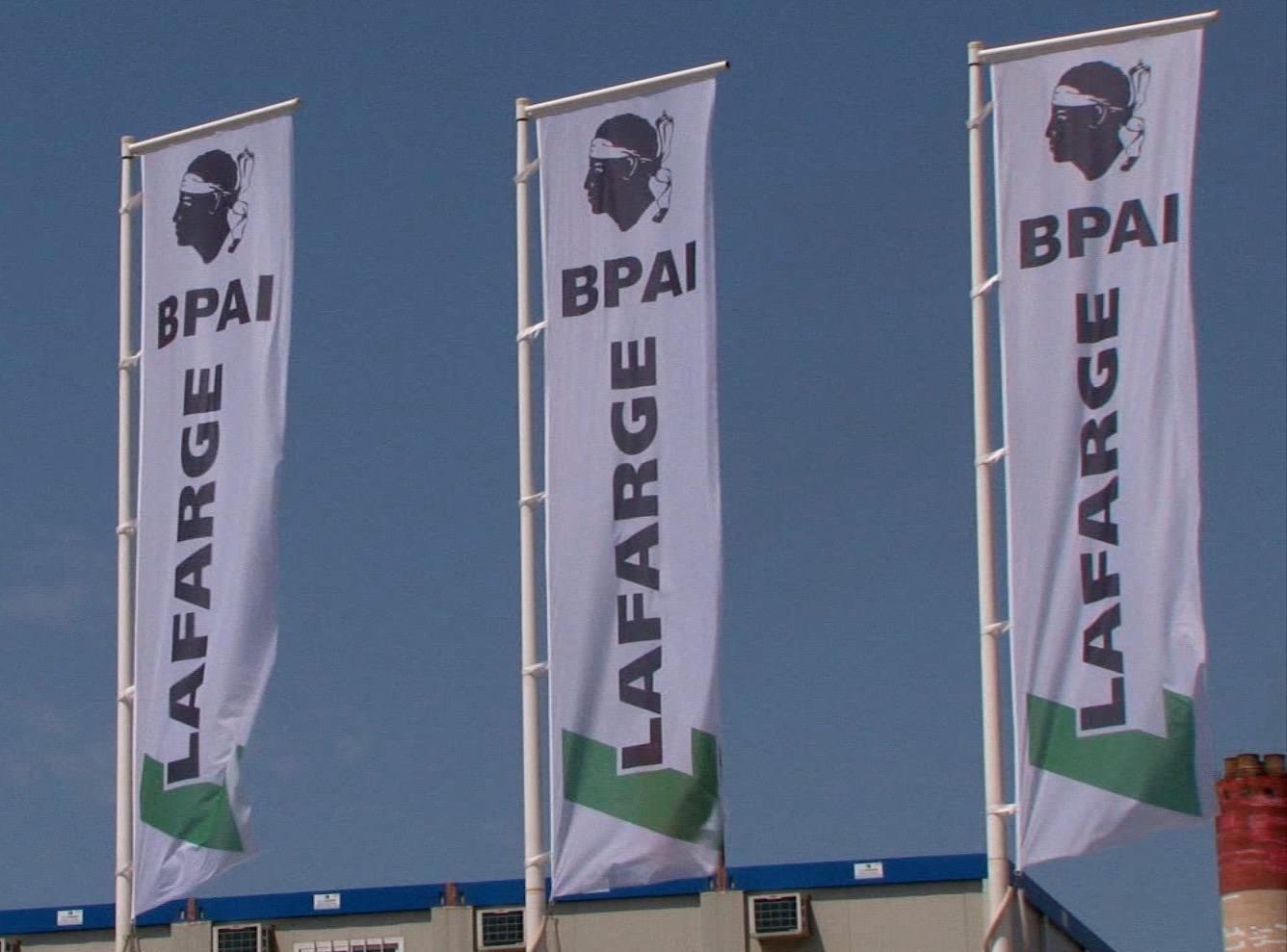 Centrale à béton camion toupie camion malaxeur ou bétonnière BPAI partenaire Lafarge spécialiste du béton prêt à l'emploi, béton décoratif, béton fluide autoplaçant, norme NF